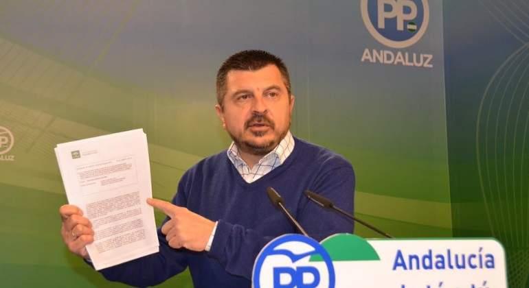 politico-pp-andaluz-carta-cataluna-fb.jpg