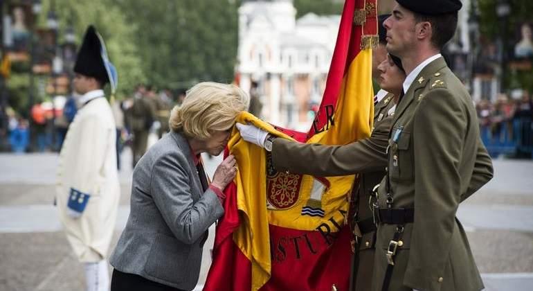 jura-bandera-concepcion-dancausa-efe.jpg