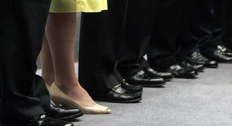 Firman norma para permitir participación de mujeres en cargos directivos
