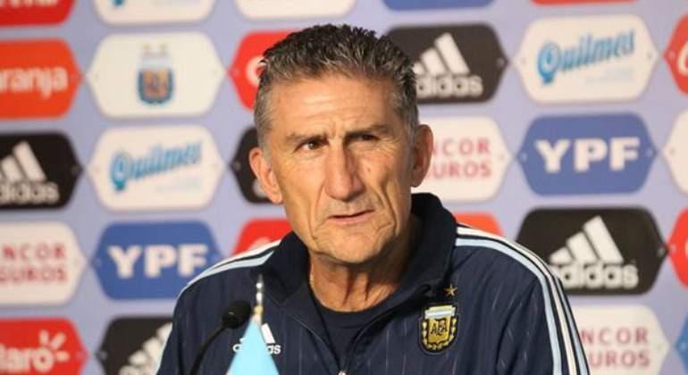 Argentina piensa en Paraguay: ¿sale el Kun?