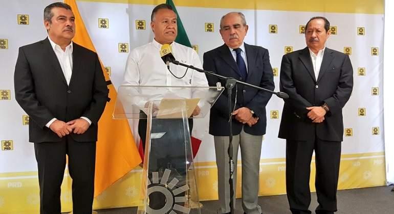Se suman a AMLO expresidentes del PRD