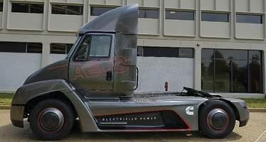 Cummins se adelanta a Tesla y presenta un camión eléctrico... aunque con asignaturas pendientes