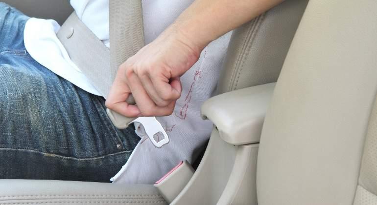 cinturon-seguridad-dreamstime.jpg