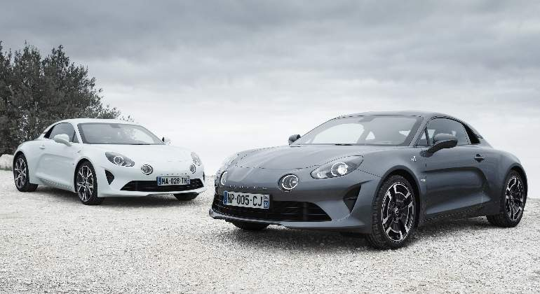 alpine-a110-Pure-legend-2018-01.jpg