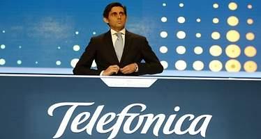 El difícil equilibrio de Telefónica: mantener el mayor dividendo del Ibex 35 y sostener un elefante de deuda