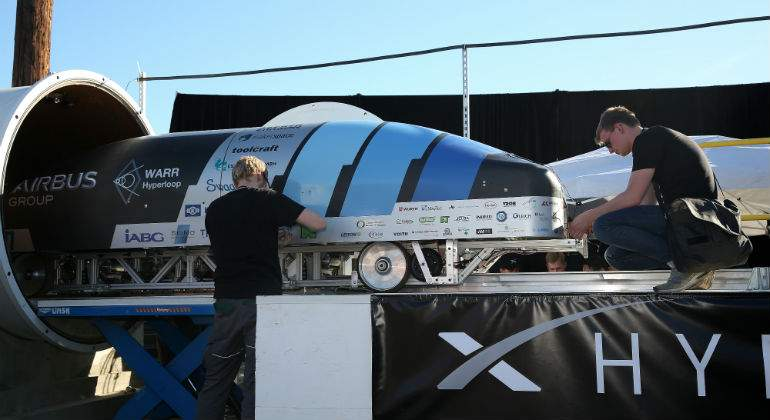 Estudiantes alemanes lograron velocidad que ilusiona a Elon Musk — Hyperloop