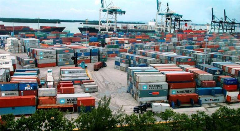 maersk-contenedores-puerto-comercio-barcos-efe.jpg