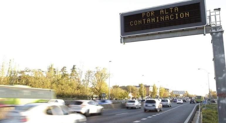 cartel-contaminacion-m30-efe.jpg