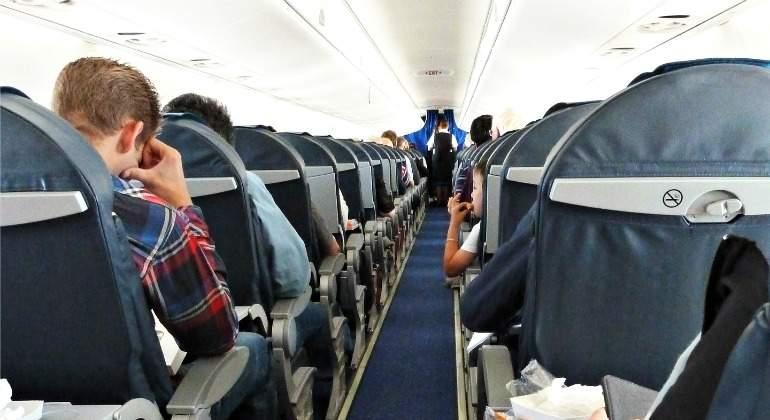 vuelo-avion-pasillo-auxiliar-770-pixabay.jpg