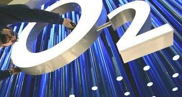 Telefónica estudia la salida a bolsa de O2 para finales de 2017