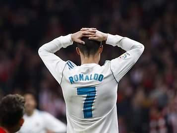 El Real Madrid iría líder sobre el Barça de no ser por los árbitros