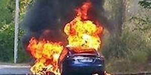 Un Tesla Model S arde en una prueba de conducción en Francia