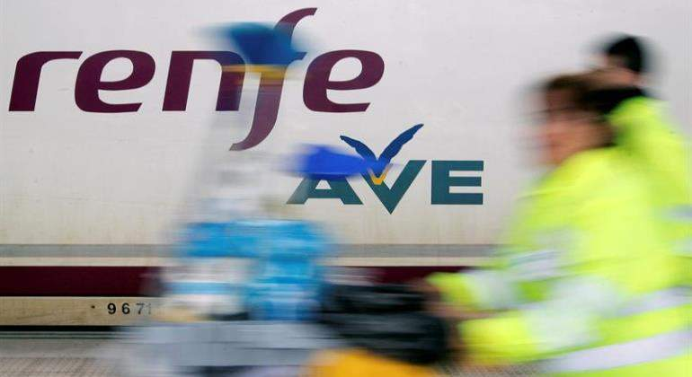 ave-movido-renfe-770-efe.jpg