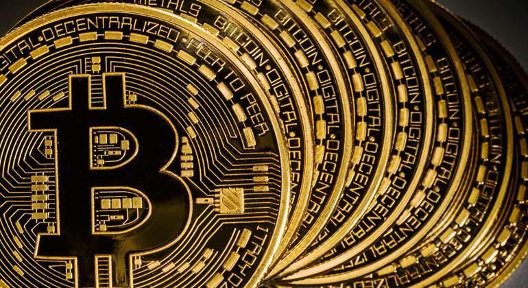 bitcoin-muchos.jpg