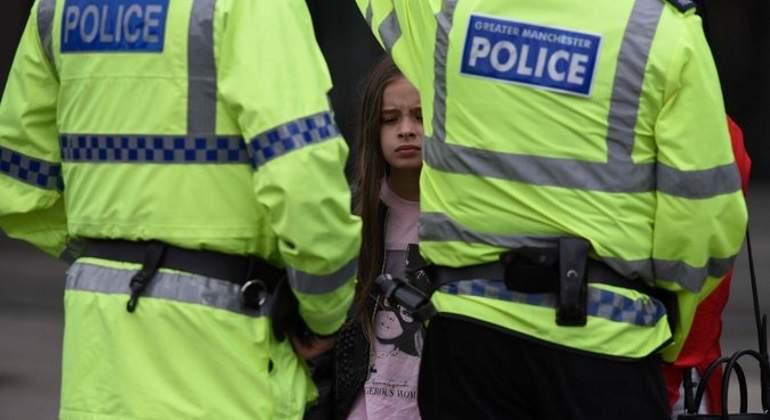 Policía británica interroga a 14 sospechosos por atentado terrorista
