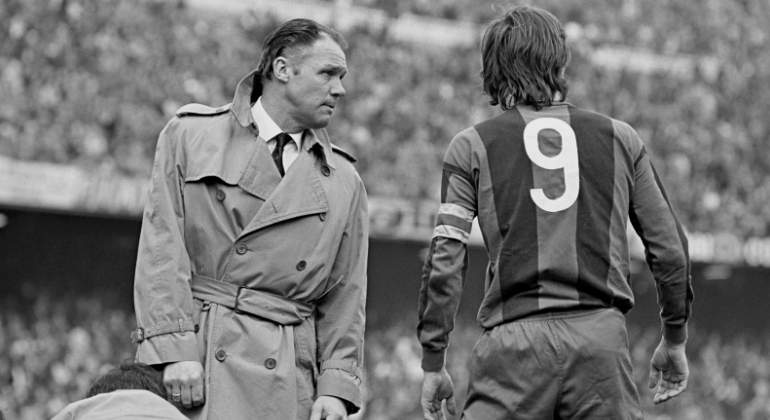 rinus-michels-cruyff-barcelona-getty.jpg