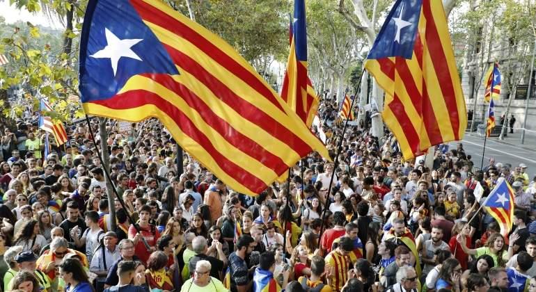 banderas-barcelona-protestas-reuters.jpg