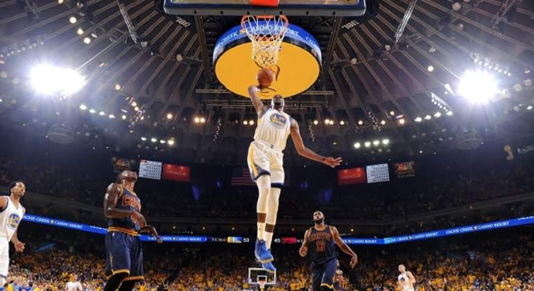 Curry y Durant piden a Warriors ser mejores en segundo partido — NBA