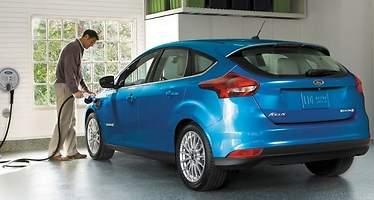 Ford presenta un Focus eléctrico con autonomía mejorada y un sistema de carga más rápido