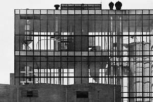 Una fábrica con las tripas al aire