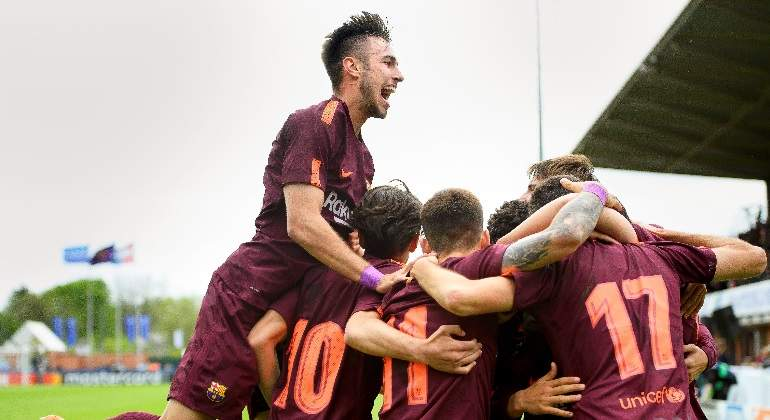 barcelona-celebra-youthleague-chelsea-efe.jpg