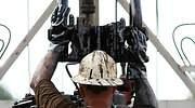 petroleo-trabajador-casco-pump-extraccion-770-dreamstime.jpg