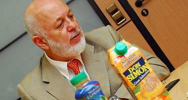 El grupo García Carrión compra Dafsa para volver a ser el interproveedor de zumos de Mercadona