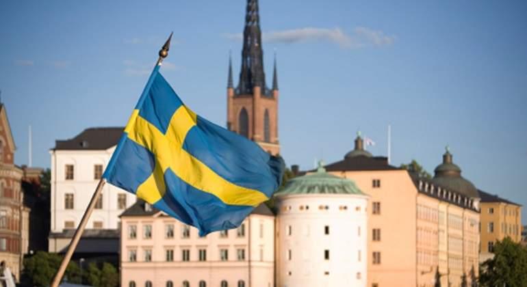 suecia-bandera-estocolmo.jpg