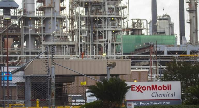 Multan a Exxon por violar sanciones