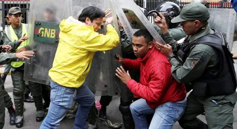 carlos-paparoni-mud-protesta-ministerio-alimentacion-reuters.jpg