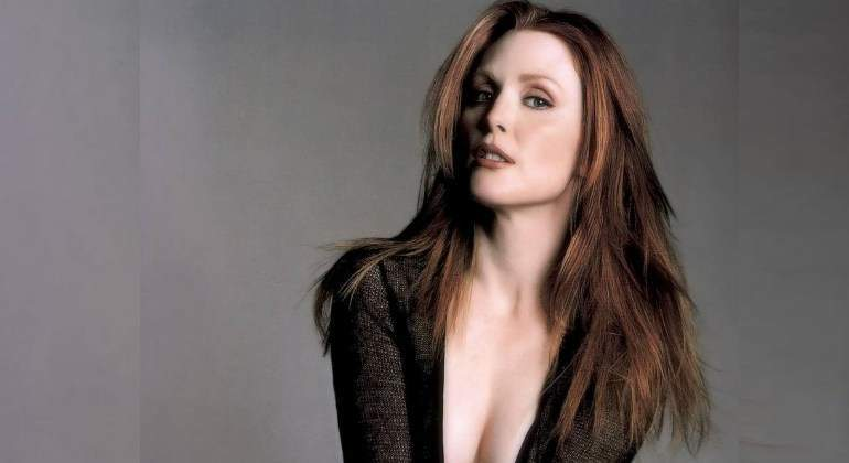 juliane-moore-sexy770.jpg