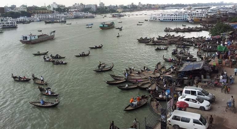 dracca-bangladesh-ferry-pixabay.jpg