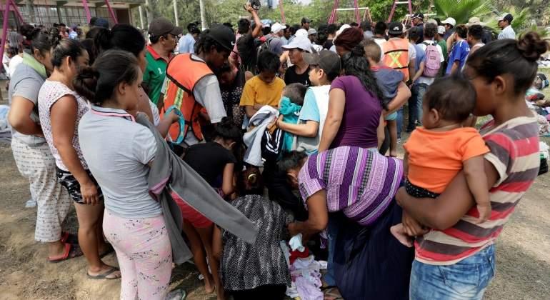 Fragmentada, caravana migrante parte de Oaxaca rumbo a CDMX