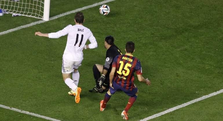 Bale-Bartra-gol-2014-final-copa-reuters.jpg