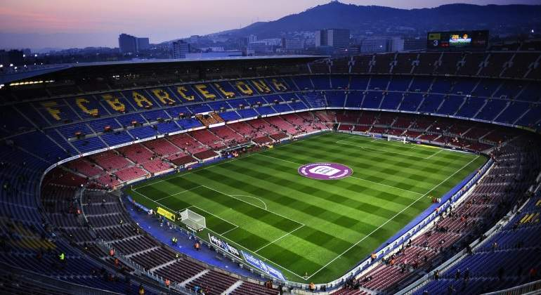 camp-nou-vacio-barcelona-sporting-efe.jpg