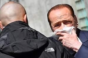Berlusconi, herido y en el hospital