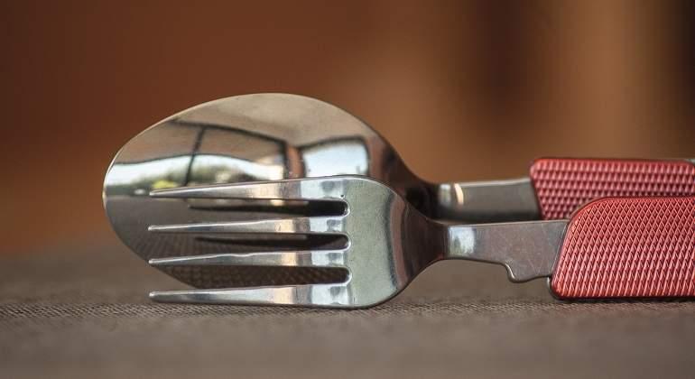 Los tenedores, más peligrosos que las cucharas para los microondas