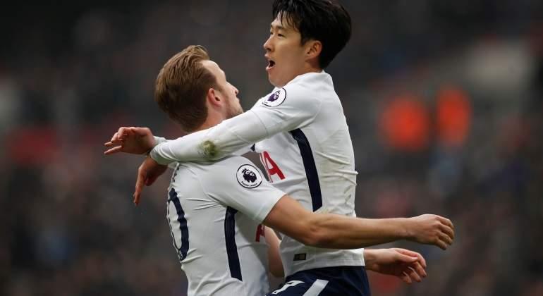 Tottenham vence 2-0 a Huddersfield