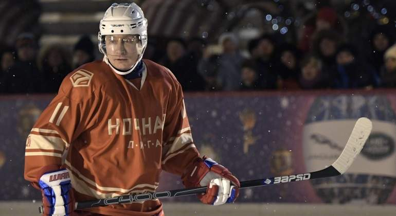 putin-hockey.jpg