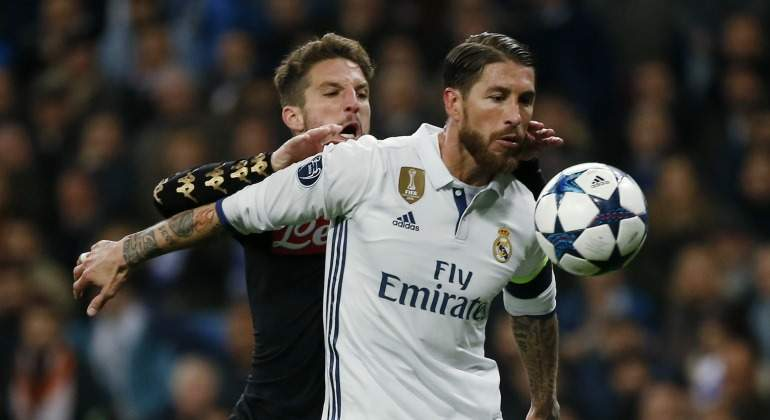 Sergio-Ramos-protege-Martens-2017-Reuters.jpg