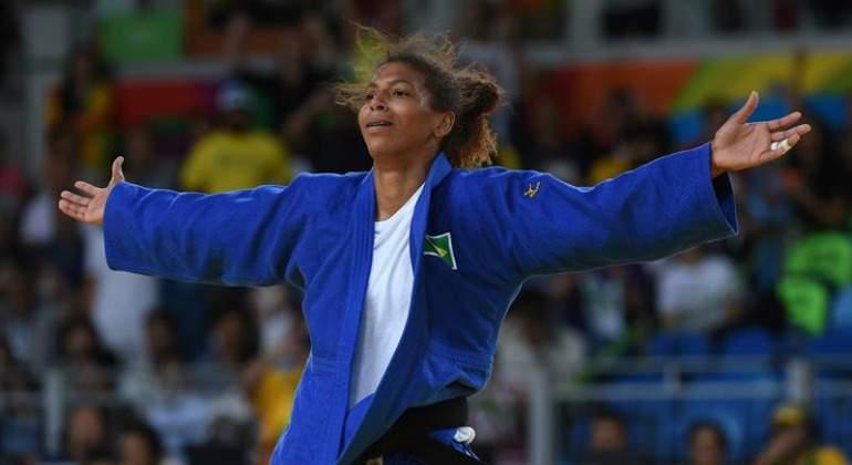Judoca Rafaela Silva da a Brasil primera medalla de oro olímpico