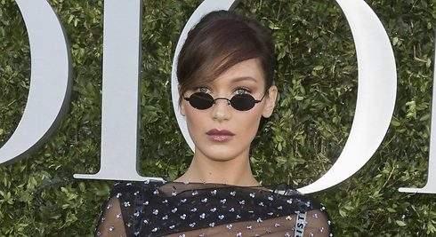 Bella Hadid y las gafas del verano