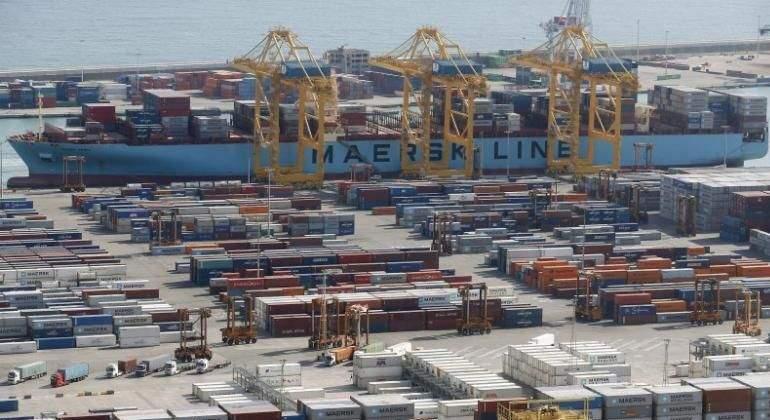 Barco-buque-puerto-Reuters.jpg