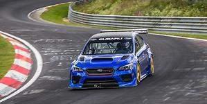 Un Subaru WRX STI de carreras bate el récord en el circuito de Nürburgring