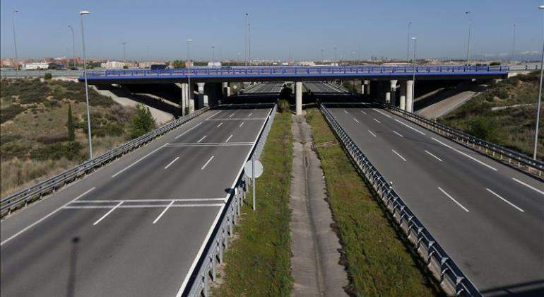 autopista-vacia-efe-770.jpg