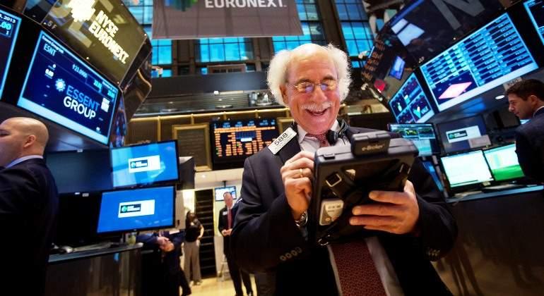 Wall Street cierra al alza tras disipación de temores por Trump