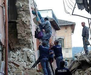 /imag/_v0/770x420/e/f/3/terremoto-italia-2016-7-reuters.jpg - 300x250