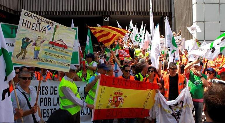 DGT-huelga-examinadores.jpg