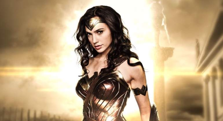gal-gadot-wonder-woman-cartel.jpg
