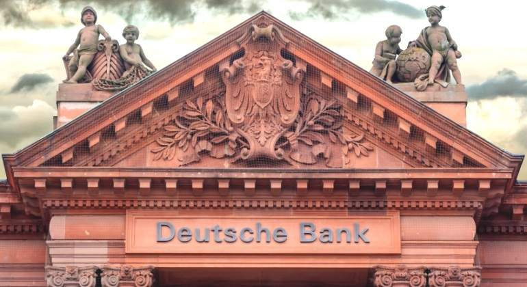Deutsche-Bank-edificio-estatuas.jpg